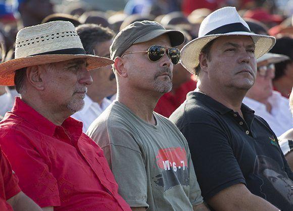 Los héroes de Cuba: René González, Gerardo Hernández y Ramón Labañino en el público. Foto: Irene Pérez/ Cubadebate.