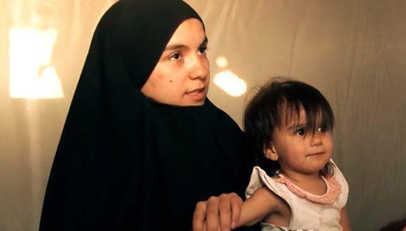 Khadija llegó a Siria proveniente de Túnez junto a su marido en busca de vivir bajo la ley islámica y se encontró con la explotación del Estado Islámico. Foto: Captura de pantalla/ RT.