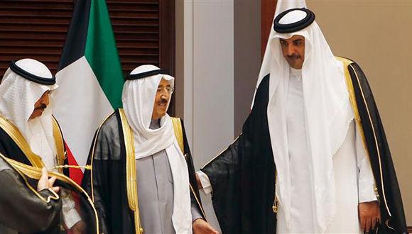 El emir de Kuwait media en la actual crisis de las relaciones diplomáticas entre las naciones árabes con Qatar. Foto tomada de aljazeera.com