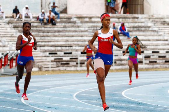 Roxana Gómez se coronó con récord en Panamericano de Atletismo. Foto: Archivo.