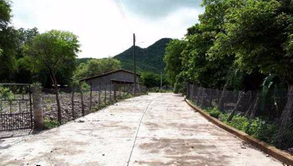 El municipio de San Miguel Totolapan, ubicado en la Tierra Caliente, tiene 115 comunidades, se calcula que tenían 24 mil habitantes, de los cuales quedan unos 12 mil, el resto huyó por la violencia. Foto: Sergio Ocampo/ La Jornada Maya.