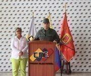 Presidenta del Consejo Nacional Electoral de Venezuela, Tibisay Lucena, junto al ministro de las FANB, Vladimír Padrino López. Foto: @ceofanb.