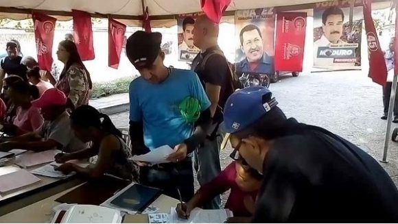 El pueblo acudió masivamente a votar por la Constituyente. Foto Red 58