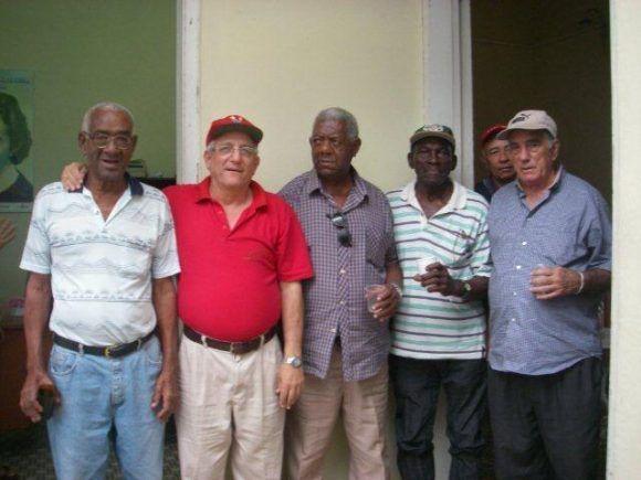 Lacho, El autor, Berto Chori, Apolinar, Zurdo Pérez y Roberto Llende (marzo de 2008).