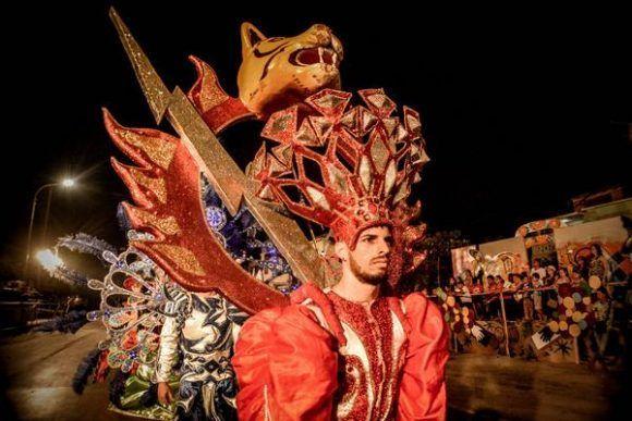 Desfile de Fantasía, del municipio Caibarién, provincia de Villa Clara, en modelos del grupo Recrearte, durante el Carnaval Holguín 2017, en la ciudad de Holguín. Foto: Juan Pablo Carreras/ ACN.