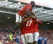 El Manchester United celebra la victoria 2-0 ante el Leicester City. Los Diablos Rojos de José Mourinho tienen tres victorias sin permitir goles en la Premier. Foto: Geoff Caddick.