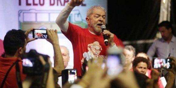 El 'favorito' Lula recorrerá Brasil en 'Caravana de la Esperanza'