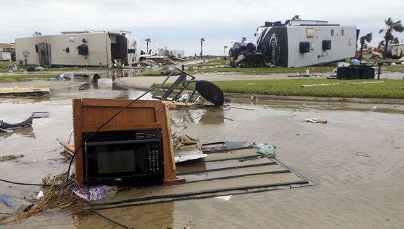 El huracán tocó tierra en Rockport, una ciudad costera de casi 9.000 habitantes que hoy amaneció desolada con calles convertidas en auténticos ríos.