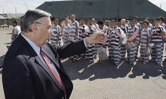 Joe Arpaio es un sheriff del Estado de Arizona conocido por la creación de una cárcel que ha llegado a ser comparada con un campo de concentración. Foto: Ross D. Franklin/ AP.