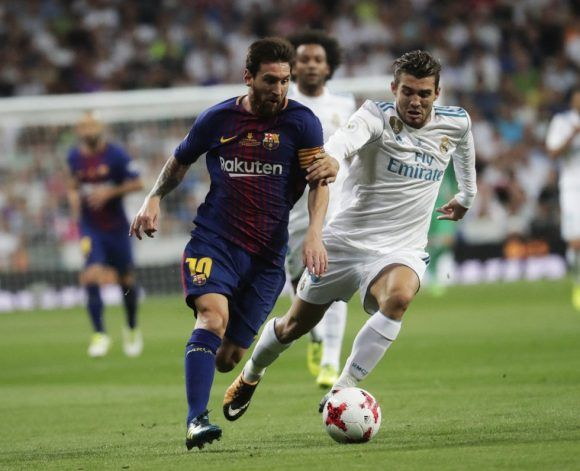 Kovacic volvió a seguir de cerca a Messi. Foto: Álvaro García.