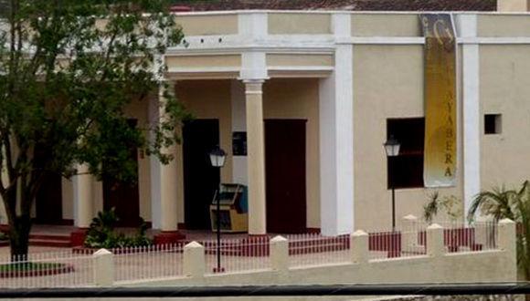 En la sede de la Casa de la Guayabera, emblemática institución cultural de la ciudad, más de una decena de instituciones de la provincia expondránlos avances en materia de comunicaciones e informática desarrollados en el país.