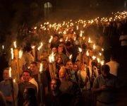 La marcha del pasado viernes en la Universidad de Virginia recordó a las agrupaciones del Ku Klux Klan. Foto: Reuters