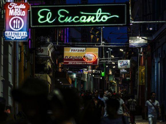 La noche en Enramadas. Santiago de Cuba, 2017. Foto: L Eduardo Domínguez/ Cubadesnuda/ Cubadebate.