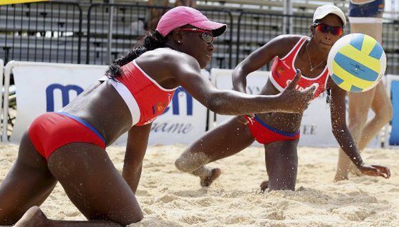 Dupla cubana femenina pierde en octavos de final. Foto: Raúl Calvo/ NORCECA.