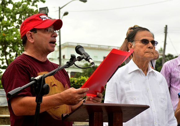 Fernando González tomó la palabra. Foto: Roberto Garaicoa Martínez/ Cubadebate.
