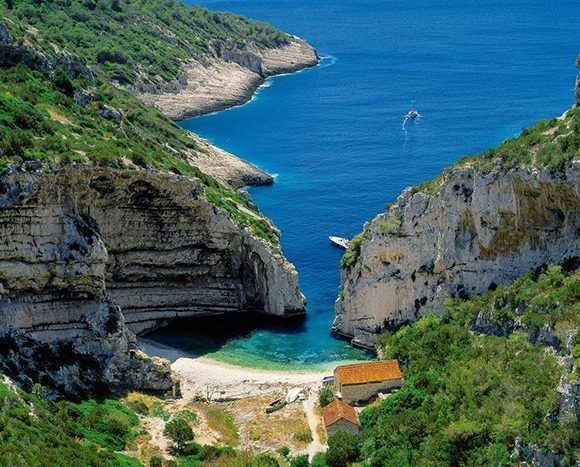 Playa Stiniva. Croacia. Foto: National Geographic.