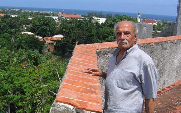 Roberto Garatti en el Instituto Superior de Arte (ISA). Foto tomada de arquitecturacuba.com