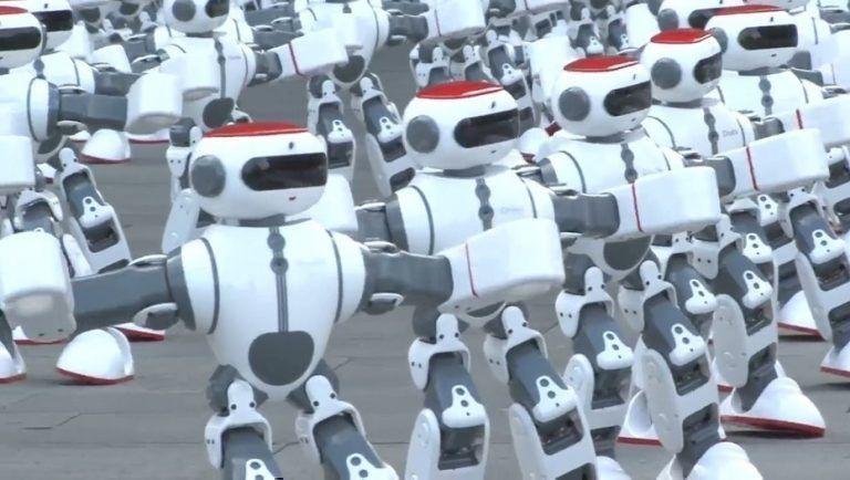 Más de mil robots bailan juntos y establecen récord Guinness (+ Video)