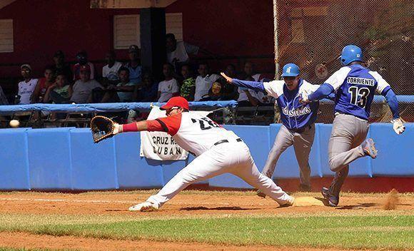 Santiago ha dominado en los dos primeros juegos a Industriales. Foto: ACN / Miguel Rubiera.