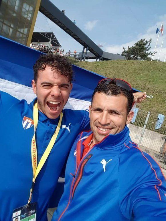 Serguey y Fernando festejan. Foto: Cuenta de Facebook de Serguey Torres