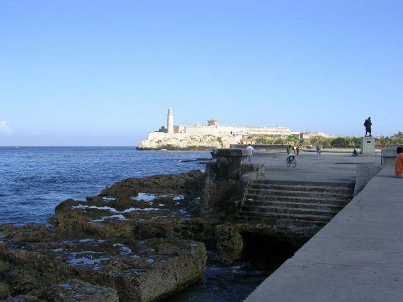 Una tarde avistando El Morro. Foto: Olaga Carbonell / Cubadebate