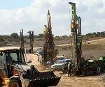 trabajo-enlas-obras-del-muro-subterraneo-que-rodeara-gaza
