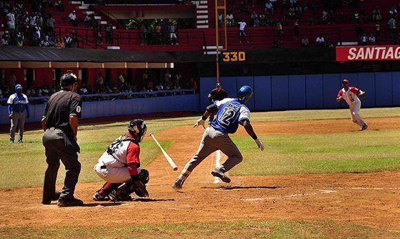 Dos emocionantes partidos ha dejado el clásico del béisbol cubano. Foto: ACN/ Miguel Rubiera.