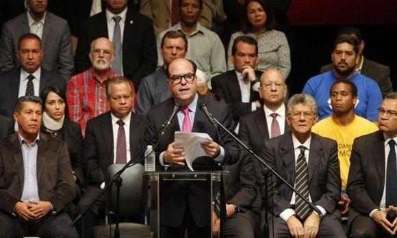 Comicios regionales dividen a los venezolanos opositores