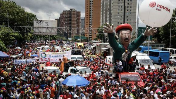 Miles de bolivarianos salieron a la calle a apoyar la instalación de la Constituyente. Foto: EFE
