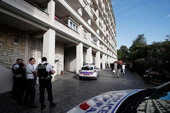Policía armada asegura la zona del atropello. Foto: Reuters.