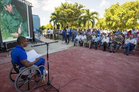 Lorenzo Pérez Escalona, multimedallista paralimpico, expresó unas palabras en nombre de los atletas que se beneficiarán de este proyecto de restauración. Foto: Ismael Francisco/Cubadebate.