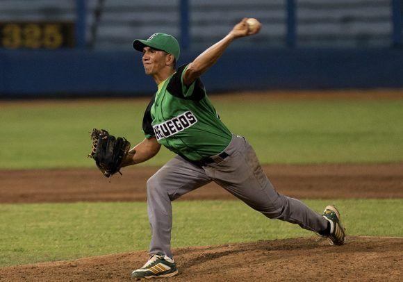 Leorisbel Sanchez, picher cienfueguero ganador del partido. Foto: Ismael Francisco/Cubadebate.