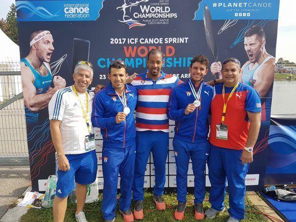 La dupla cubana de Serguey Torres y Fernando Dayán Jorge conquistó este domingo la medalla de plata en el C-2 a 1000 metros del campeonato mundial de canotaje. Foto: Tomada de la cuenta de Facebook de Seguey Torres