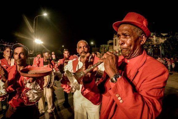 Desfile de carrozas y comparsas del Carnaval Holguín 2017, en la ciudad de Holguín, Cuba, el 18 de agosto de 2017. ACN FOTO/Juan Pablo CARRERAS/oca