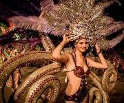 Desfile de Fantasía, del municipio Caibarién, provincia de Villa Clara, en modelos del grupo Recrearte, durante el Carnaval Holguín 2017.. Foto: Juan Pablo Carreras/ ACN.