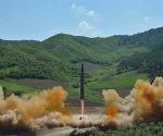 Corea del Norte prueba un misil balístico intercontinental Hwasong-14, 4 de julio de 2017. Foto: Reuters.