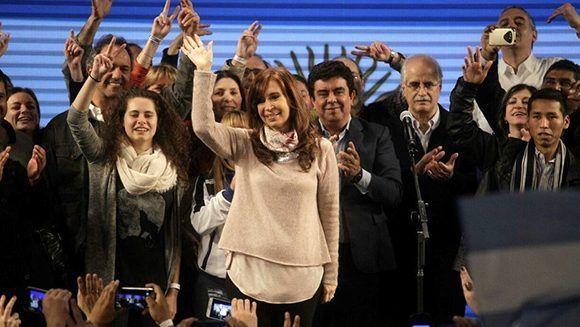 Cristina Fernández de Kirchner luego de las elecciones en Argentina este domingo. Foto: DYN.