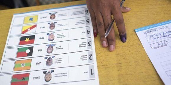 Cierran colegios electorales en Angola.