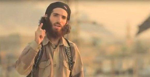La grabación está centrada en los atentados de Barcelona y en ella aparecen dos presuntos terroristas del Estado Islámico.