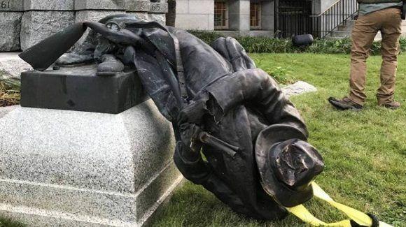 estatua-derribada-racismo-eu