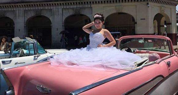"""""""Las fotos de los 15"""" normalmente utilizan La Habana Vieja como escenario. Foto: NBC News."""