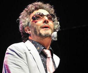 El músico argentino, Fito Páez, durante un concierto celebrado en el teatro Karl Marx, con motivo al XXXIV Festival Internacional del Nuevo Cine Latinoamericano, en La Habana, Cuba, el 5 de diciembre de 2012. AIN FOTO/Abel ERNESTO/sdl