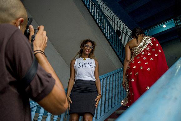 """""""Titina"""" vuelve los ojos hacia una época memorable del diseño de moda en la Mayor de las Antillas. Foto: Ismael Francisco/ Cubadebate."""