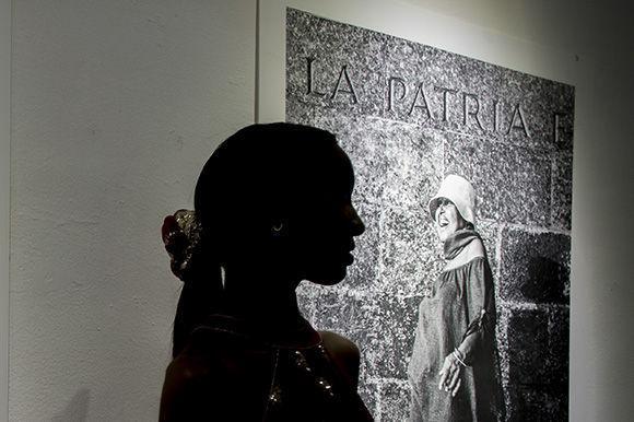 """Tributo al glamour. Íconos de la moda cubana 1980-1990 es el título de la muestra de """"Titina"""". Foto: Ismael Francisco/ Cubadebate."""