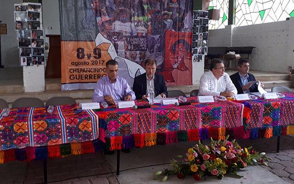 El representante de la Oficina del Alto Comisionado de ONU para los Derechos Humanos en México, Jan Jarab, inauguró el Foro de Desaparición Forzada organizado por el Centro de Derechos Humanos de la Montaña Tlachinollan en Chilpancingo. Foto Sergio Ocampo/ La Jornada.