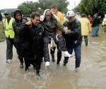 Asistir a los damnificados es la prioridad. Foto: AP.