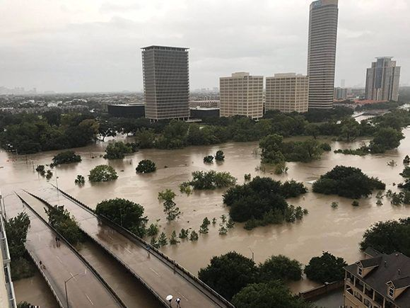Aspecto de la zona de Buffalo Bayou, Houston, el domingo. Foto: Reuters.