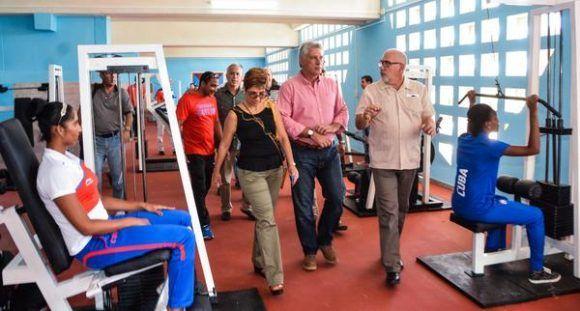 Inaugura d az canel moderno gimnasio de deportes de for Gimnasio de boxeo