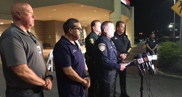 Seis policías de EE.UU. reciben disparos en tres hechos diferentes. Foto: (Twitter@WFTV).