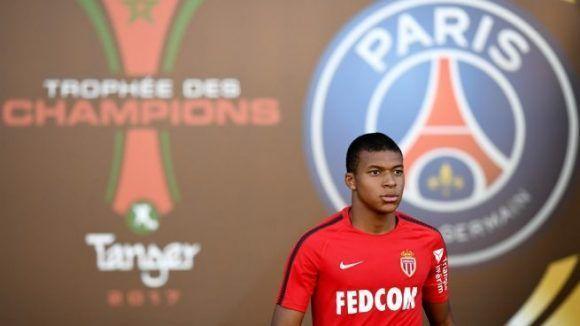 El talentoso jugador podría unirse a Neymar y compañía en el club capitalino. Foto: AFP.